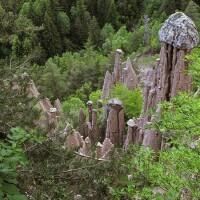 PIRAMIDI_DI_TERRA_-_RENON_-_panoramio_Foto libere Gregorini Demetrio Wikimedia.