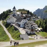 Monte_Lussari,_Alpi_Giulie_Achilli Family Journeys www.commons.wikimedia.org